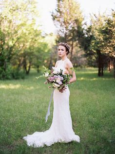 Lilac Bridal Portrait Session - Photography: Heather Hawkins