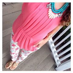 Shaw Avenue - www.shawave.com - Coral & floral are always a winning combination!  Top // Olive & Oak (TJ Maxx), Pants // Willi Smith (Goodwill), Necklace // David Aubrey, Sandals // Jack Rodgers. Find similar pieces here --> www.shopstyle.it/dwMGh