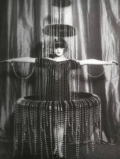 vintagemarlene: luisa casati's fountain dress, circa 1920 (www.retronaut.com)