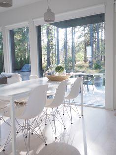 Eames chairs Eames Chairs, Dining Chairs, Dining Table, Floors, Walls, Architecture, Blog, House, Inspiration