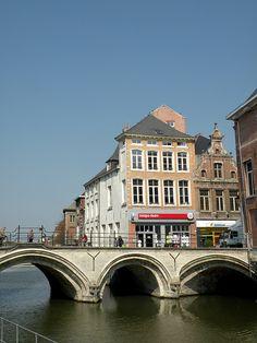Hoogbrug over de Dijle gezien vanaf de Zoutwerf, Mechelen, Belgium