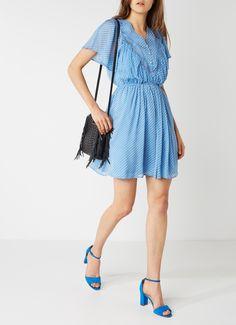 Op zoek naar Claudie Pierlot Riri A-lijn jurk in zijdeblend met broderie en vlindermouw ? Ma t/m za voor 22.00 uur besteld, morgen in huis door PostNL.Gratis retourneren.