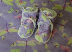 Firefly baby Booties with wrap over ankle. Free pattern without instructions.