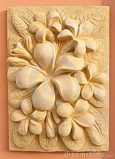 wood+carving+round+frame+plumeria - Buscar con Google