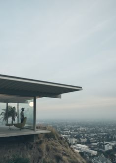 The Iconic Stahl House - A white collar modern design of a lengedary blue collar man.
