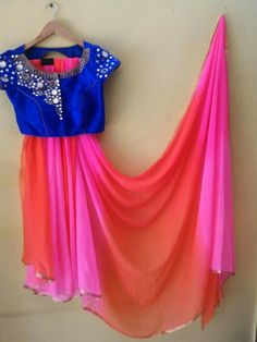 Looking for simple mirror work blouse designs? Here are 25 irresistible blouse models for you to try with any saree and look hopelessly cool! Simple Sarees, Trendy Sarees, Stylish Sarees, Fancy Sarees, Half Saree Designs, Sari Blouse Designs, Fancy Blouse Designs, Blouse Patterns, Mirror Work Blouse Design