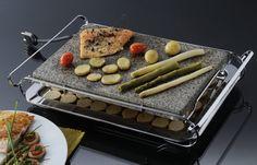 Neste modelo de grill elétrico de pedra natural o Stone Grill da marca Fergus.VC  você prepara todos os tipos de alimentos sem o uso de gordura. O sabor e a sensação são incríveis, além de prático porque você pode leva-o a mesa é super econômico. Dicas de receitas e uso estão no site www.fergus.com.br / eletrodomésticos Griddle Pan, Natural, Elderly Man, Fat, Products, Model, Tips, Recipes, Types Of