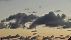 Desde las Islas Canarias  ..Fotografias  : Meteo...Nubes al amanecer..Maspalomas ...Gran Cana...