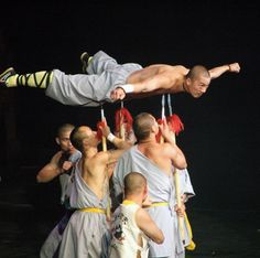 Learn Shaolin kung fu, shaolin training with genuine Shaolin monks. We offer all inclusive martial arts training in China.