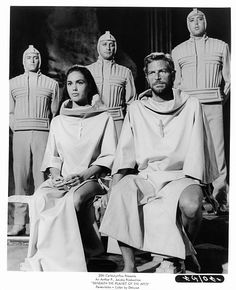 Linda Harrison sits next to James Franciscus in a scene from the film 'Beneath The Planet Of The Apes', Get premium, high resolution news photos at Getty Images Linda Harrison, Hollywood Stars, Classic Hollywood, Sci Fi Movies, Movie Tv, Plant Of The Apes, Science Fiction, Cinema Tv, Star Wars