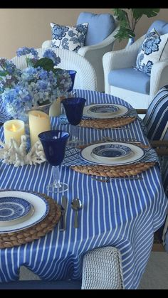 Hello friends back from a whirlwind trip to Virginia and Palmetto Bluff, and it's back to business! So the much anticipated blue and white contest is on as of today. You must sit down for this, there are so many amazing pictures in both rounds you will n Blue Table Settings, Home Interior, Interior Design, Enchanted Home, Dinning Table, Deco Table, Decoration Table, White Decor, Sweet Home
