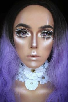 57 Sexy Halloween Makeup Looks that Are Cute yet Creepy Nail and Make Up # Unique Makeup, Cute Makeup, Pretty Makeup, Prom Makeup, 90s Makeup, Hair Makeup, Halloween Look, Halloween Makeup Looks, Halloween Night