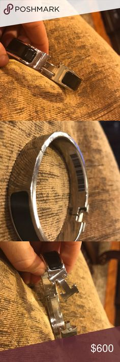 NWT Hermès Clic H bracelet! NEW with barcode!! Barcode still on it!! Comes with box!!  Black and silver  Size S!  100% Authentic!! Hermes Jewelry Bracelets