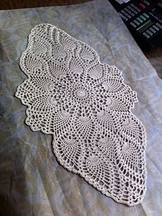 Ravelry: Coffee Table Topper pattern by Agnes Russell Free Crochet Doily Patterns, Crochet Doily Diagram, Filet Crochet, Crochet Motif, Crochet Designs, Crochet Coaster, Crochet Table Topper, Table Topper Patterns, Crochet Table Runner Pattern