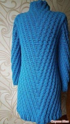 Discover thousands of images about crochelinhasagulhas: Casaco azul em crochê Crochet Coat, Crochet Winter, Crochet Cardigan Pattern, Crochet Jacket, Sweater Knitting Patterns, Knit Patterns, Crochet Clothes, Easy Crochet, Jacket Pattern