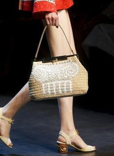 Spring Summer 2014 accessories trends Clutch bag