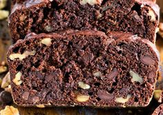 La meilleure recette de pain aux bananes et chocolat au monde! The best banana and chocolate bread recipe in the world ! Bread Dough Recipe, Best Bread Recipe, Bread Recipes, Sweet Pie, Sweet Bread, Chocolate Bread Recipe, Chocolate Desserts, Desserts With Biscuits, Bread And Pastries