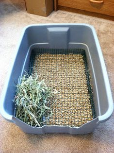 hardware wire in litter pan