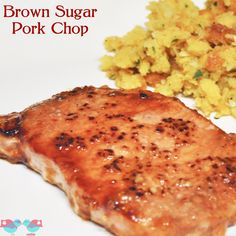KEEPER Easy Brown Sugar Pork Chop - So easy to prepare that it makes an amazing weeknight dinner! {The Love Nerds} I Love Food, Good Food, Yummy Food, Tasty, Pork Recipes, Cooking Recipes, Recipies, Cooking Pork, Grilling Recipes