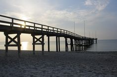 Comes the Autumn chill, escape to one of these quaint #beach destinations. Here, Siesta Key Beach.