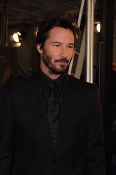 WHY DO WE LOVE KEANU? Because he really does look lovely in black. (chicfoo) keanu
