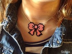 Hama perler bow necklace by Gédane