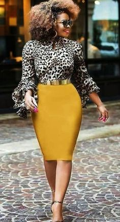 Blouse à imprimé animalier meilleures tenues Take a look at the best Animal print blouse in the photos below and get ideas for your outfits! Sexy Work Outfit, Casual Work Outfits, Mode Outfits, Skirt Outfits, Classy Outfits, Chic Outfits, Dress Skirt, Sheath Dress, Work Fashion