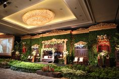 Midnight Blue Wedding at Shangri-La Jakarta: Dewinta