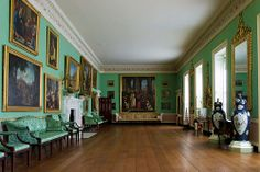 The room is 40 meters long and intened for use in poor weather, the playing of games and even dancing. Hence it contains little furniture, but is an ideal space for the display of paintings. Beautiful Space, Beautiful Homes, Country House Interior, Country Houses, Palace Interior, Fantasy House, English House, Grand Homes, Cottage Interiors