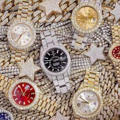 How many stars do you see? How many stars do you see? Cool Watches, Rolex Watches, Analog Watches, Gold Diamond Watches, Expensive Watches, Unusual Jewelry, Fine Jewelry, Elegant Watches, Patek Philippe