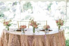 Sparkly blush pink sweetheart table