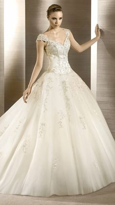 Cinderella wedding dress - by Atelier Diagonal