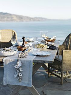 Outdoor Entertaining Tips from taste Williams=Sonoma website - A lot of the tips are a no brainer.