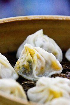 Life on Nanchang Lu: Jia Jia Tang Bao - A Shanghai Xiaolongbao Classic