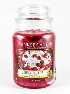 Berry Trifle - Yankee Candle - Gold und Silber Kabinett Berry Trifle, My Yankees, Yankee Candle Scents, Gold Candles, Decorating Small Spaces, Scented Candles, Incense, Berries, Wax