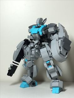 LEGO robots and mechs