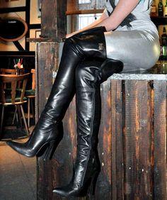 High Heel Maid : Photo