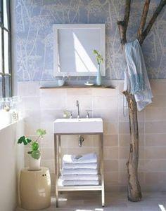 hänger für badetücher im badezimmer - aus treibholz gefertigt - Wunderbare Treibholz Deko, die auch praktisch sein kann – 45 verblüffende Ideen