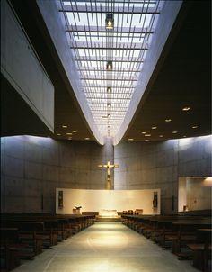 Imagen 6 de 29 de la galería de Capilla del Espíritu Santo / Cazú Zegers. Fotografía de Guy Wenborne