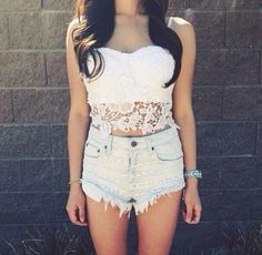 How to Chic: WHITE CROCHET TOP