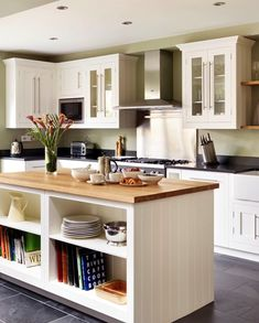 Timeless and effortlessly stylish with clean lines and balanced proportions, our Shaker kitchen range is at home in any setting. Open Plan Kitchen Diner, Breakfast Bar Kitchen, Shaker Style Kitchens, Shaker Kitchen, Kitchen Bar Design, Kitchen Ideas, Functional Kitchen, Interior Styling, Bar Designs