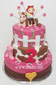 A cute girl/horse topper option Cowgirl Birthday, Cowgirl Party, Party Treats, Party Cakes, Beautiful Cakes, Amazing Cakes, Cake Cookies, Cupcake Cakes, Cowgirl Cakes