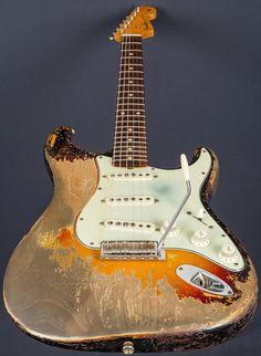 Fender Custom Shop 61 Strat Ultra Relic Dale Wilson Masterbuilt.jpg