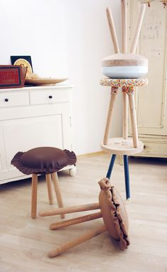 In love with these candy inspired furniture pieces by German designers Candy Company: lamps, coat hooks, stools and more. Click through to learn more (in German)!
