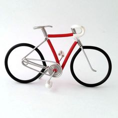 red and white miniature bicycles at allenwireart.com