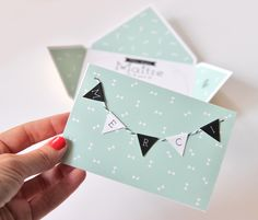 http://zugalerie.blogspot.fr/2014/06/une-carte-diy-merci.html                                                                                                                                                                                 Plus