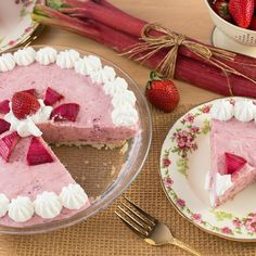 Strawberry Rhubarb Mousse Pie combine the sensational flavours of tart Rhubarb and sweet strawberries in a light and creamy mousse pie.