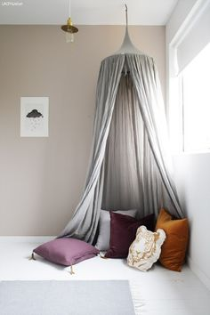 elisabeth heier/ perfect colour on the wall Baby Bedroom, Girls Bedroom, Bedroom Decor, Jotun Lady, Ivy House, Decoration Originale, Bedroom Accessories, Little Girl Rooms, Fashion Room