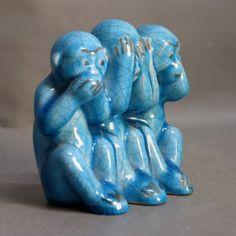 Karlsruher Majolika. Keramikfigur. Die drei Affen. 1950 - 1955.