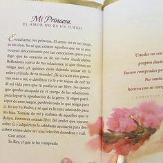 """Nosotras amamos este libro. Nos pone el corazón así. Entonces cada vez que leemos algo no lo podemos evitar y tenemos que compartirlo.  Para las que preguntaran. El libro se llama """"Cartas de Amor de mi Rey"""" de la autora Sheri Rose."""